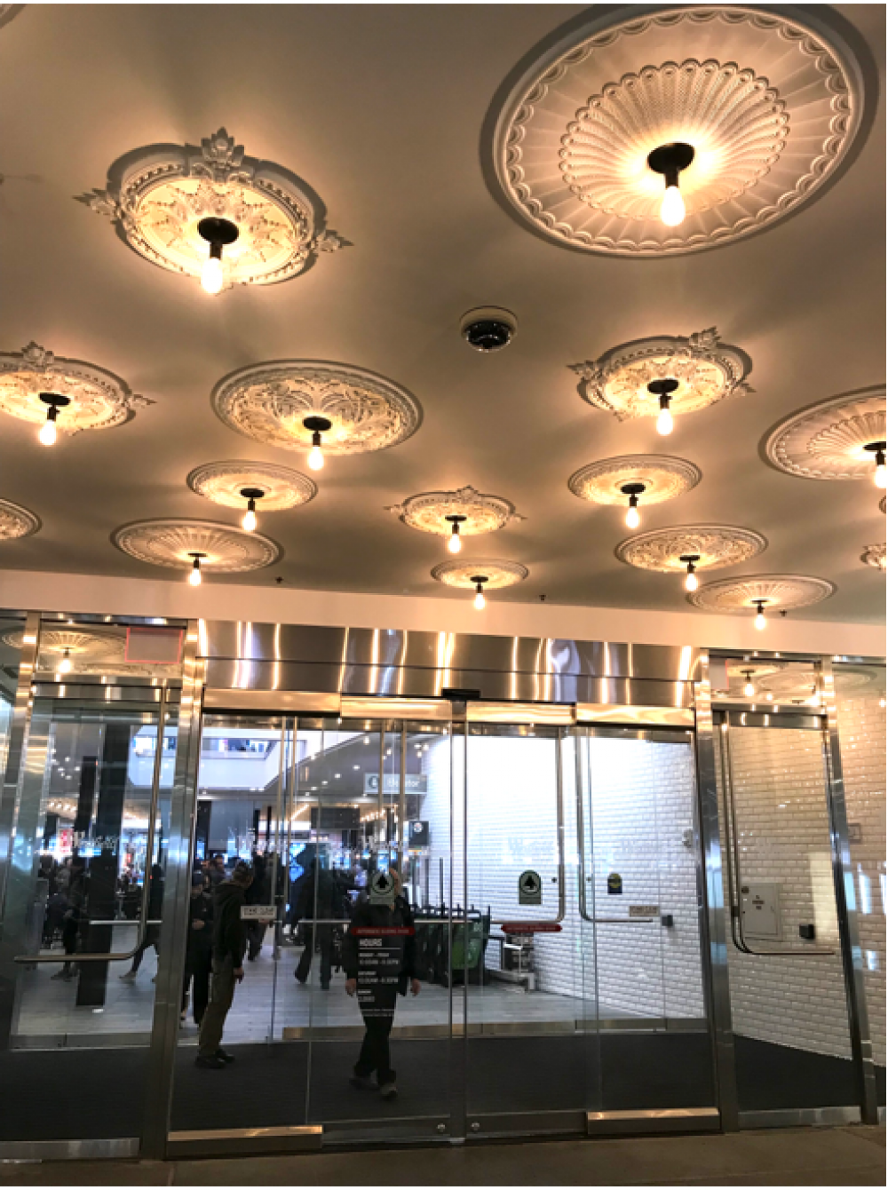 Overcoming mall vulnerabilities with security solutions (Asmag, September 2018)